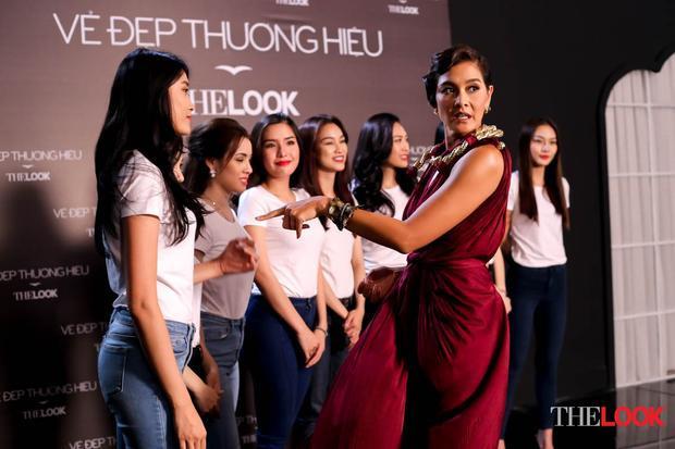 Lukkade rất ấn tượng với chiều cao của Kim Nhung - thí sinh từng thi The Face Việt Nam mùa 2.