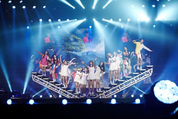 f(x) và nhiều girlgroup khác tổ chức concert.