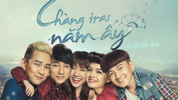 Sơn Tùng cùng những diễn viên khác trong bộ phim Chàng trai năm ấy: Hứa Vĩ Văn, Hari Won, Phạm Quỳnh Anh, Ngô Kiến Huy