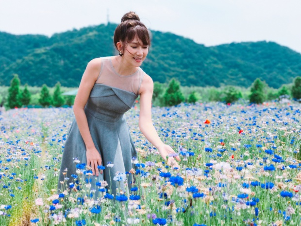 Khán giả cũng mong đợi cô vợ xinh đẹp của Lý Hải sớm xuất hiện trong những phim điện ảnh của anh.