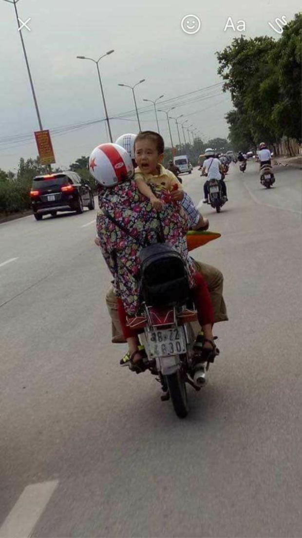 Bức ảnh chụp đứa trẻ đang gào khóc tại Sài Đồng (Gia Lâm - Hà Nội) được cho là bé Nghĩa.