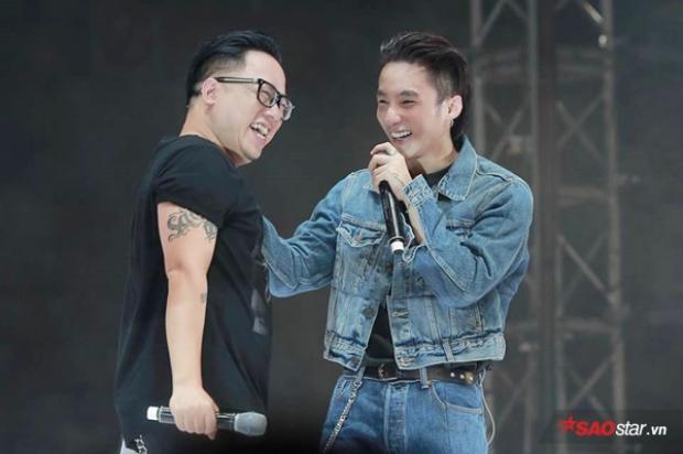 Đây chính là hình ảnh khiến fan nhanh chóng nhận ra sự đụng hàng của Sơn Tùng với G-Dragon.