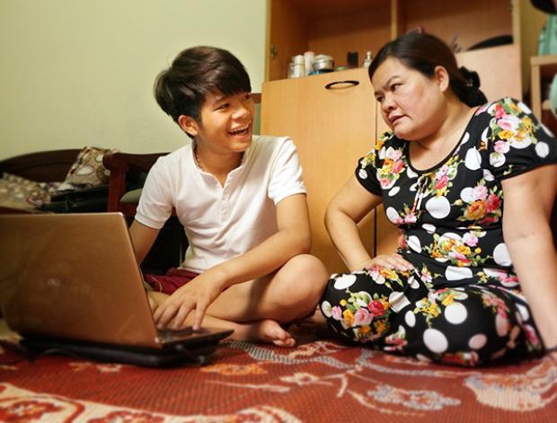 Sau cuộc thi, hai mẹ con chuyển sống Hà Nội sống để tiện cho Quang Anh đi học.