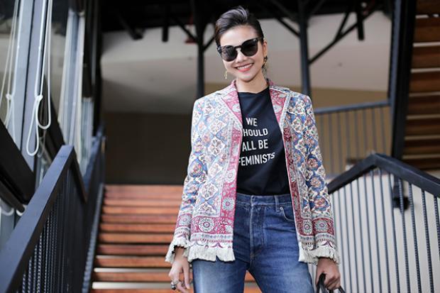 """Vốn là một """"tay chơi"""" hàng hiệu có tiếng trong showbiz Việt và sở hữu phong cách thời trang cực """"chất"""" mỗi lần xuất hiện Thanh Hằng đều khiến khán giả bất ngờ với tài phối đồ sành điệu của cô."""