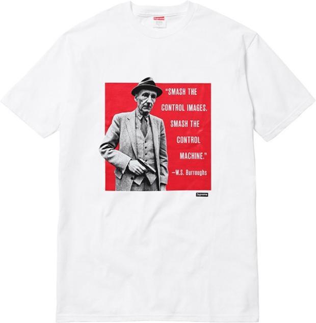 Chiếc áo T-shirt trắng nằm trong bộ sưu tập Supreme Spring Summer 2016 với giá 150 USD (3,4 triệu đồng).