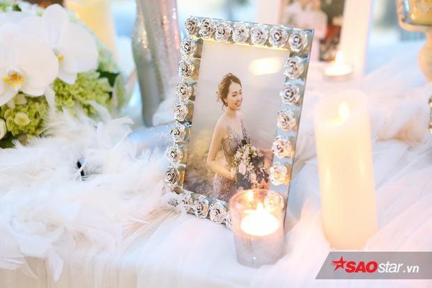 Đôi bạn thân Thanh Duy  Đại Nhân cùng Hòa Minzy vui vẻ đến chúc mừng Huy Nam và bà xã hotgirl