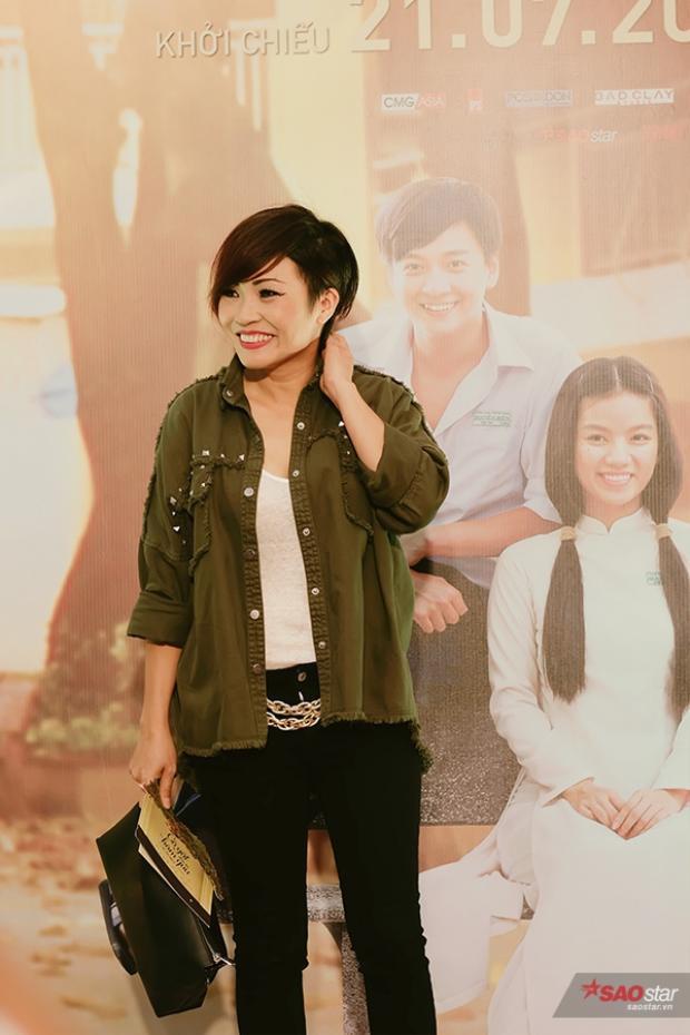 Nữ ca sĩ Phương Thanh xuất hiện trong buổi họp báo.