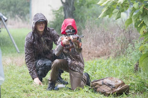 Cha con Will Beamon cùng nhau đi săn bắn
