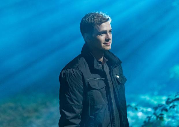 Hayden Christense cómột vai diễn đầy thực lực, chuyển biến tâm lý đa chiều sâu trong First Kill