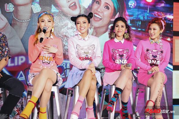 4 cô nàng đầy màu sắc đậm phong cách Hàn Quốc.