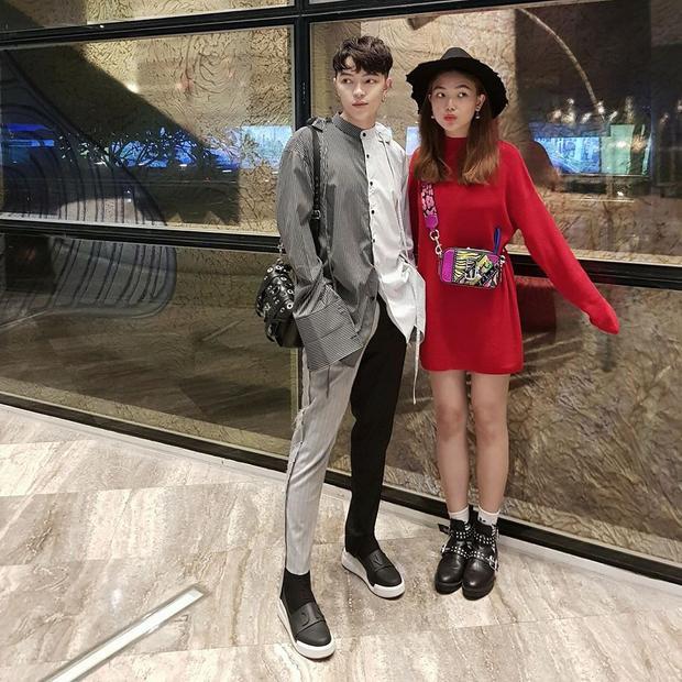 Có thể nói Kelbin Lei là tín đồ thời trang tiên phong cho xu hướngnày.