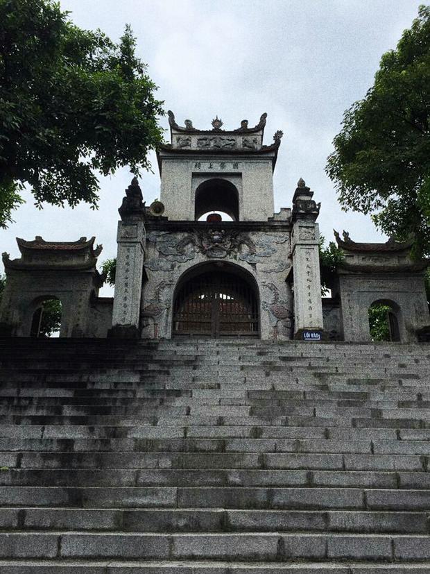 Đền Cuông thờ vua An Dương Vương.