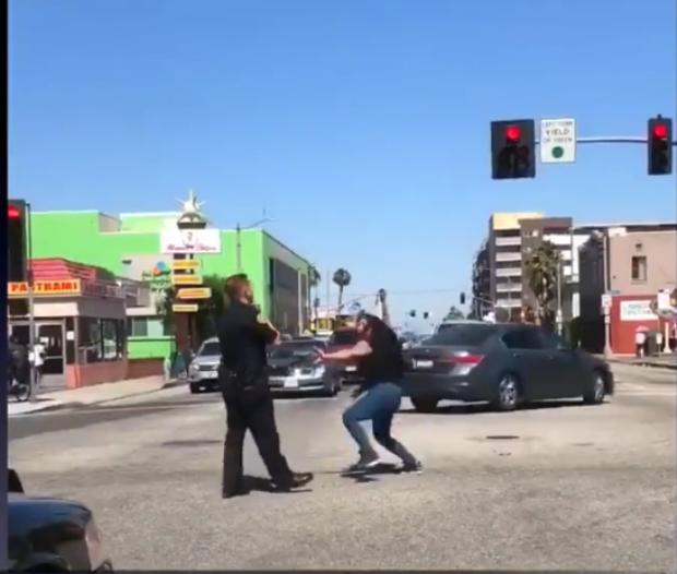 Chuyện ở Mỹ: Say xỉn và phỉ báng cảnh sát trên đường, người phụ nữ nhận cái kết đắng