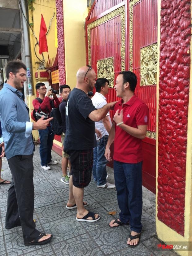 võ sư Pierre Francois Flores của phái Vịnh Xuân Nam Anh đã đến tìm gặp võ sư Huỳnh Tuấn Kiệt.