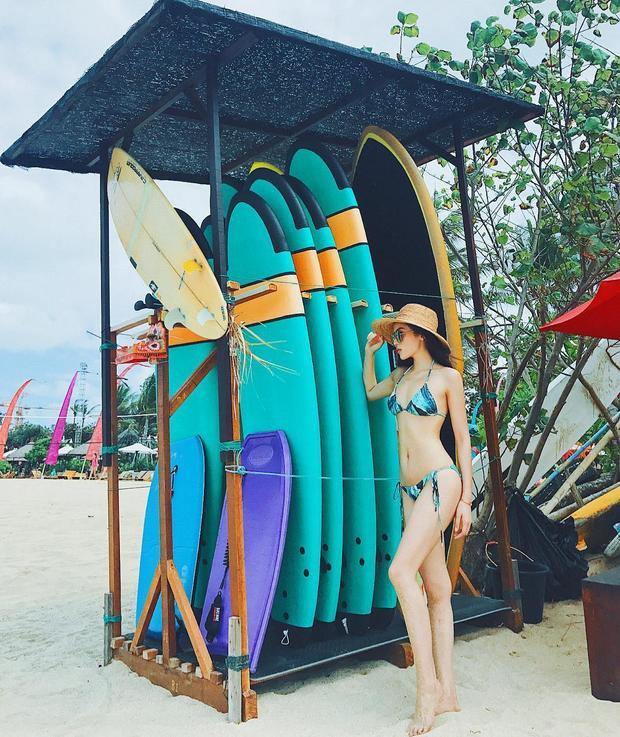 Trong chuyến du lịch đảo Bali, Kỳ Duyên tự tin diện bikini khoe vóc dáng chuẩn đáng mơ ước giữa không gian biển trời trong lành.
