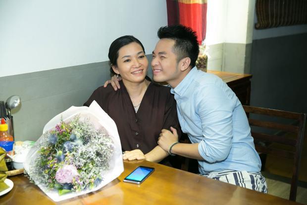 Fan rơi nước mắt khi nghe ca khúc mới về mẹ của Phạm Hồng Phước