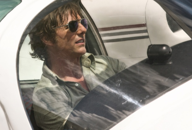 Tom Cruise bị tố cáo là siêu lừa đảo, phải lách luật kiểu Mỹ