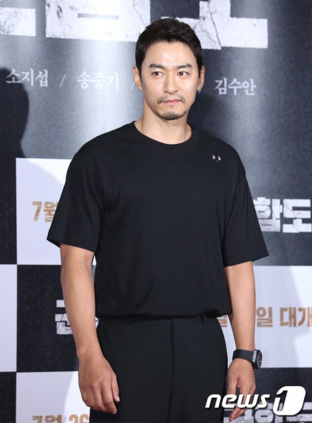 Tài tử Joo Jin Mo.