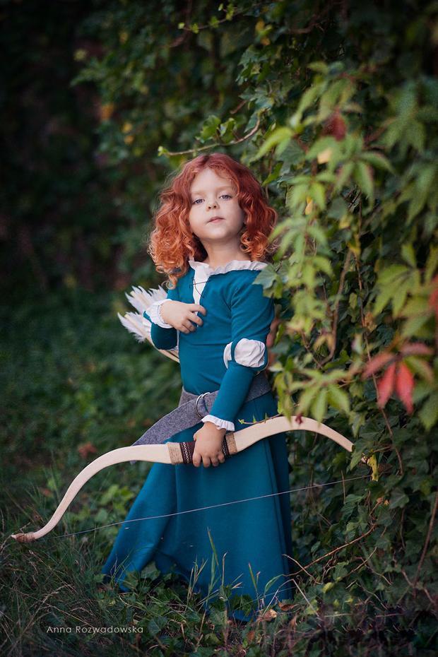 Có ai nhận ra em là Công chúa tóc xù Merida - nàng công chúa có ước mơ giải cứu thế giới không nè?