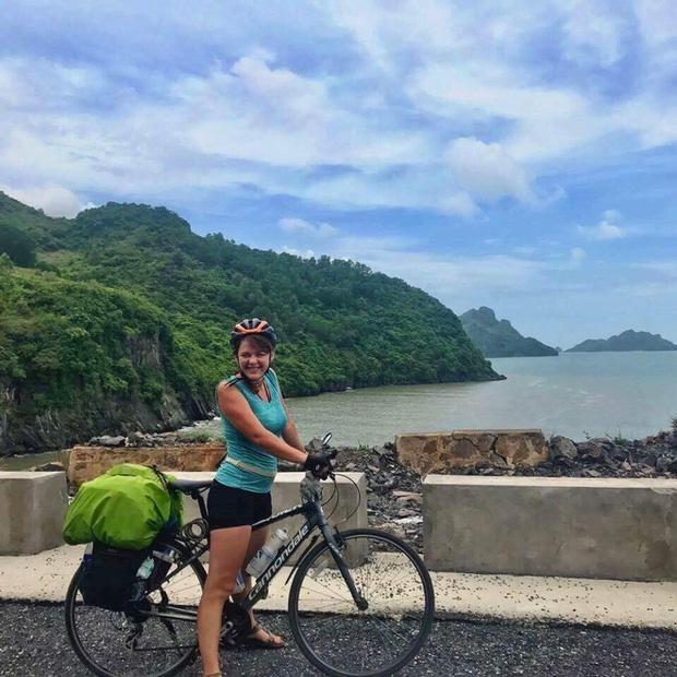 Chiếc xe đạp đã gắn bó với cô qua nhiều hành trìnhthì chẳng may đến cận kề ngàytrở về lại bị đánh cắp.