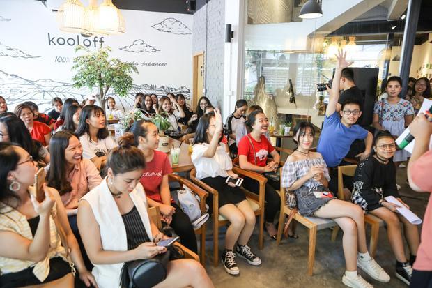 Rất đông khán giả có mặt tại buổi fan meeting của 2 học trò HLV Noo Phước Thịnh.