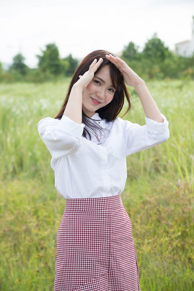 Tạo hình khác của Jang Mi trong sản phẩm này.