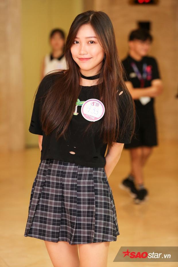 Nguyễn Ngọc Thùy năng động với trang phục trendy với niềm đam mê cùng bộ môn dancesport.