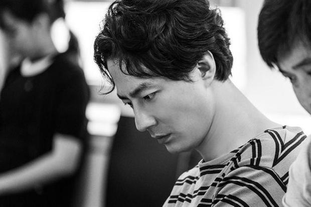 Nam diễn viên In Sung.