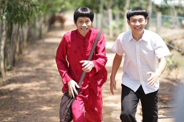 Hoài Lâm từng tham gia nhiều bộ phim cùng bố nuôi Hoài Linh.