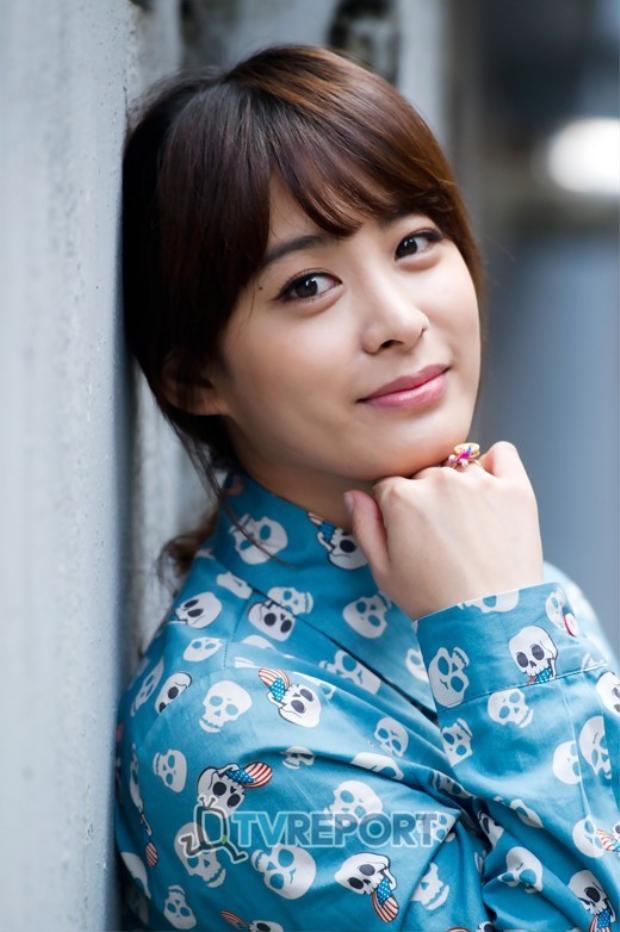 Park Hee Von vai Yook Hye Ri, cô từng tham gia The Master's Sun năm 2013 và The Producers năm 2015.