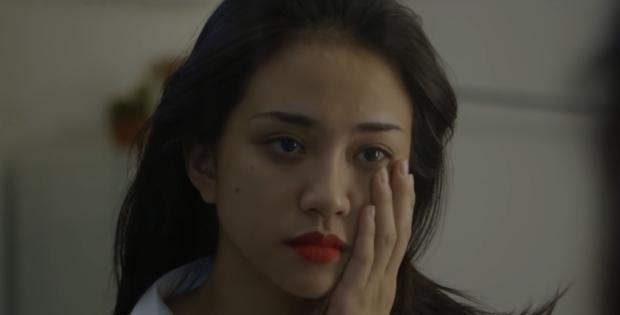 Cư dân mạng bất ngờ với diễn xuất của Thiên Nga (The Face) trong phim ngắn có nội dung ma mị