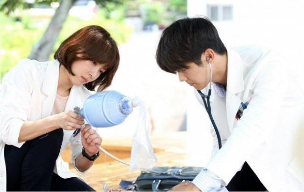 Những cặp đôi chị em phá đảo màn ảnh nhỏ Hàn Quốc 2017