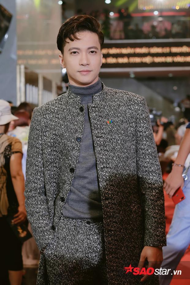 S.T cảm thấy vô cùng vinh dự khi có mặt ở hạng mục Ca sĩ ấn tượng bên cạnh Sơn Tùng, Noo Phước Thịnh,..