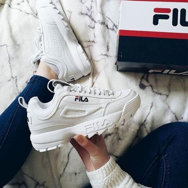 Giày thể thao Fila có giá từ 1 triệu cho đến 3 triệu đồng.