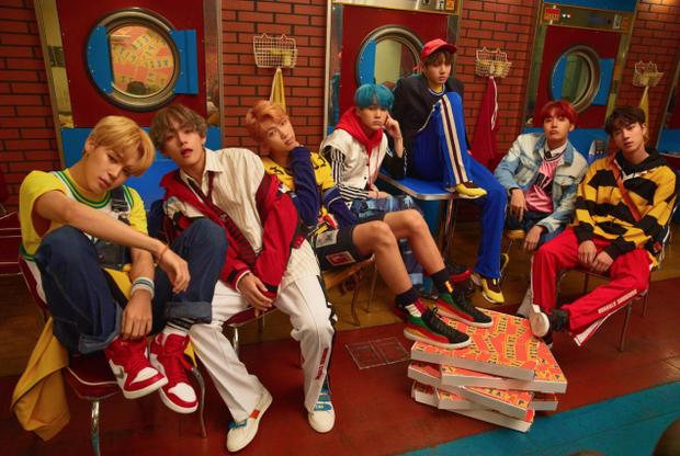 BTS cực điển trai và cuốn hút trong chùm ảnh teaser cho album mới.