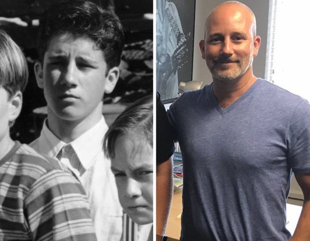 Ben Heller trong vai Stan Uris năm 12 tuổi. It là dự án duy nhất mà Ben tham dự, không rõ sau đó anh làm gì những Ben sẽ trở lại trong bộ phim kỷ niệm của It với tên gọiPennywise: The Story of It.