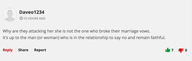 """Tài khoản Daveo1234 bình luận: """"Tại sao người phụ nữ kia lại bị tấn công khi cô ấy không phải là kẻ phá vỡ lời thề hôn nhân. Lỗi thuộc về người đàn ông đã không biết từ chối và gìn giữ sự chung thủy."""""""