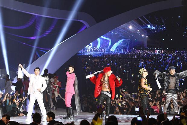Giá mà fan Việt được xem màn trình diễn như 6 sân khấu hot nhất lịch sử MAMA này