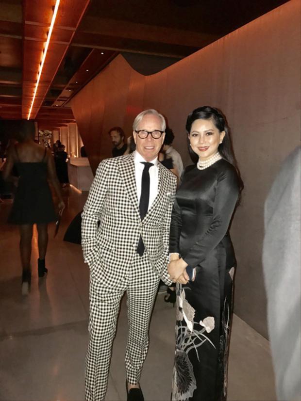Diễn viên Thủy Tiên và chồng gây sốt khi dự tiệc với bạn thân Taylor Swift, chụp ảnh cùng Selena Gomez