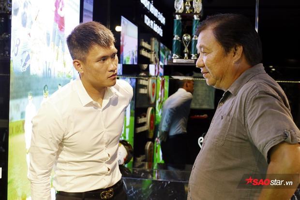 Việc làm của Công Vinh nhận được sự ủng hộ của các cựu danh thủ bóng đá TP.HCM.