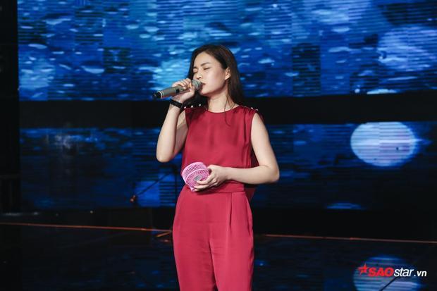 Không giống như những thí sinh khác, Giang Hồng Ngọc dường như chín chắn nhất trong dàn thí sinh năm nay.