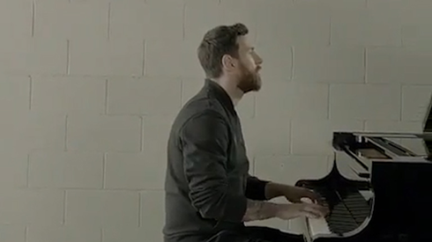 Messi khiến người hâm mộ phát cuồng với màn trình diễn piano điêu luyện