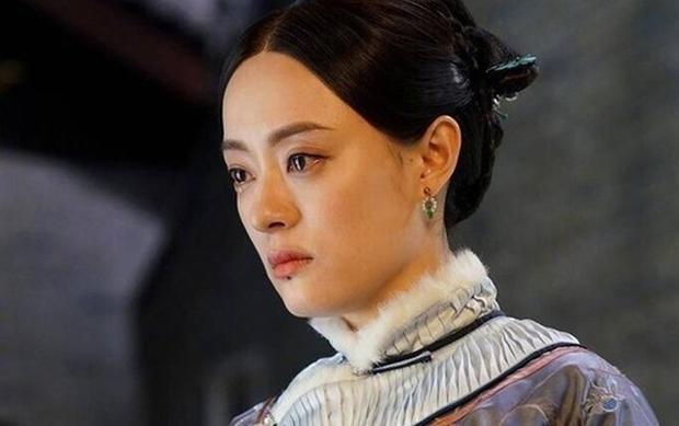 Năm ấy hoa nở: Con đường trở thành nữ thương nhân kiệt xuất của Châu Doanh Tôn Lệ