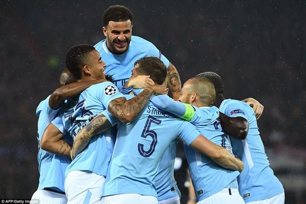 Man City có chiến thắng dễ dàng ngày ra mắt Champions League.