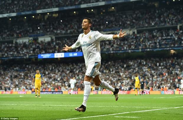 Ronaldo chói sáng ngày trở lại.