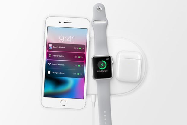 Sạc không dây, một trong những tính năng đáng giá nhất trên bộ ba iPhone mới.