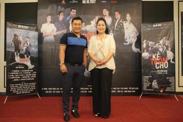 Diễn viên Lý Hùng và nghệ sĩ Hồng Vân.