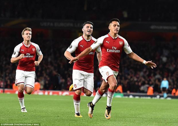 Đây mới là bàn thắng đầu tiên của tiền đạo người Chile trong mùa giải mới. Ở mùa hè vừa qua, Alexis làm mình làm mẩy đòi ra đi nhưng không được chấp thuận.