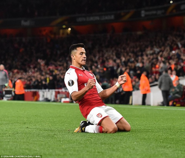 Bàn thắng của Sanchez giúp các CĐV Arsenal được dịp thở phào.