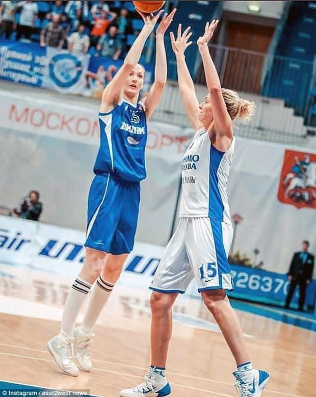 Ngôi sao thể thao này cũng là con gái của hai cựu tuyển thủ bóng rổ.